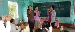 Het koppelen van gemeenschap en school via 'onderwijs en leven'-clubs in Vietnam
