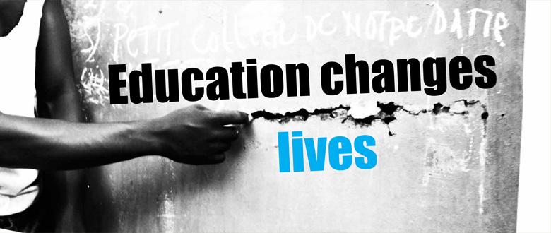 Fotoboek 'Education Changes Lives'
