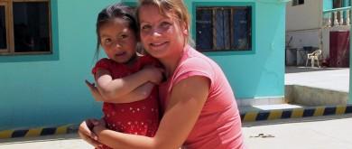 Expat Karolina over haar leven en werk in Cambodja in het tijdschrift 'Vlamingen in de Wereld'
