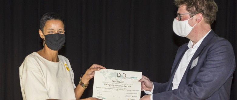 VVOB receives iChoose award of Prize D4D (kris_pannecoucke).jpg